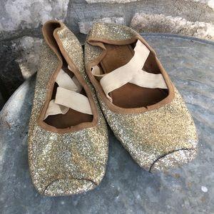 Magnolia Pearl Stella Toe Shoe